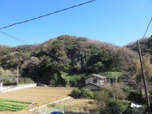 源氏山公園の近くの山