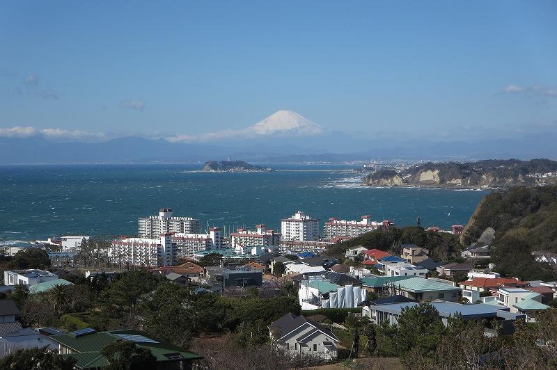披露山公園からの江の島と富士山