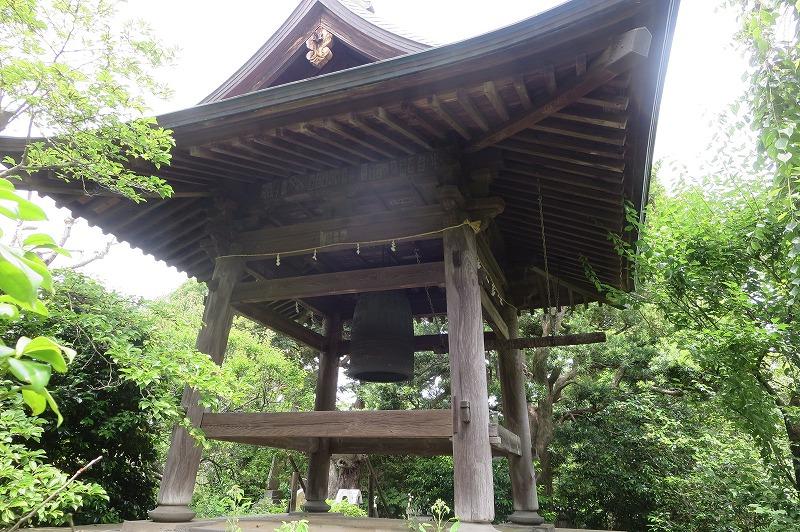 宝戒寺の鐘楼