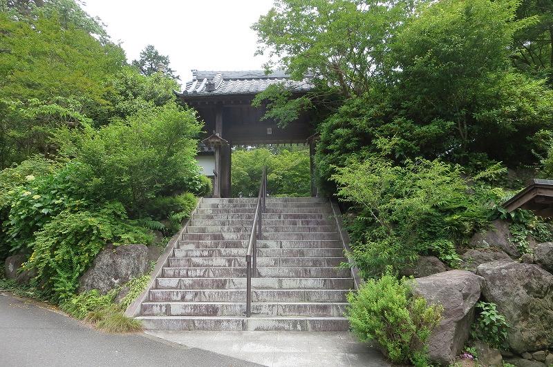 覚園寺山門